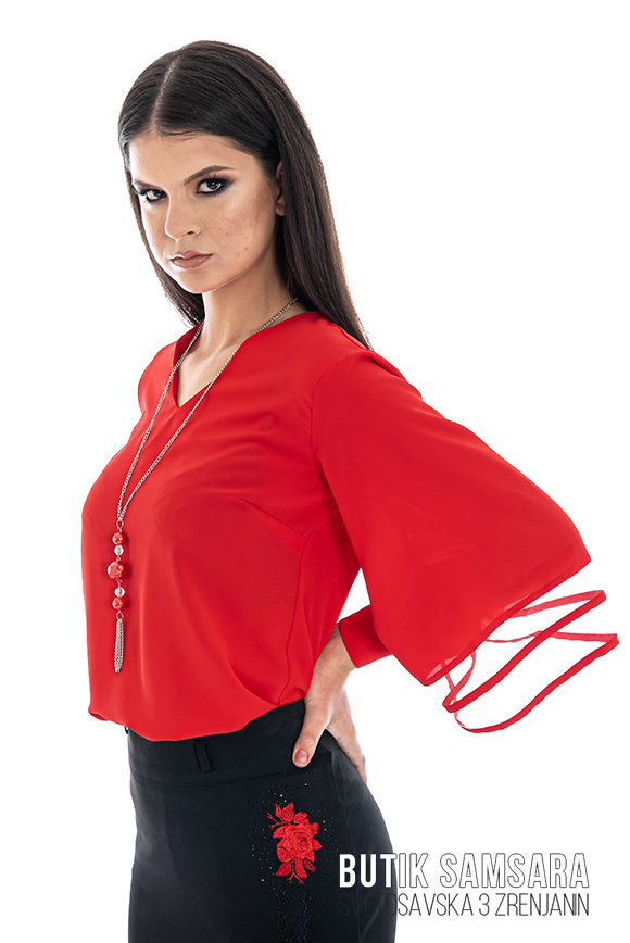 butik samsara zrenjanin zenska crvena bluza crna suknja 002