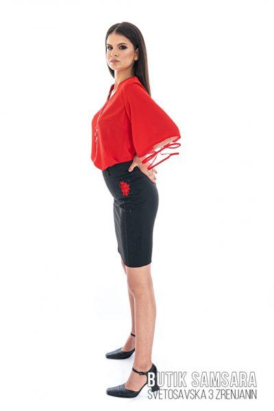 butik samsara zrenjanin zenska crvena bluza crna suknja 018